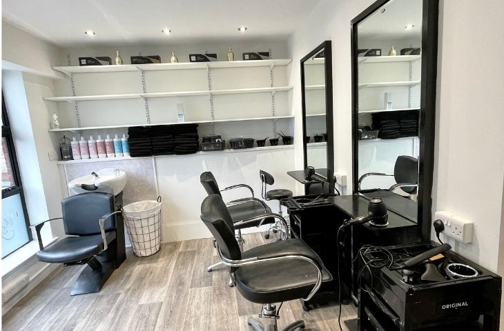 Hairdresser chairs for rent in Northwich